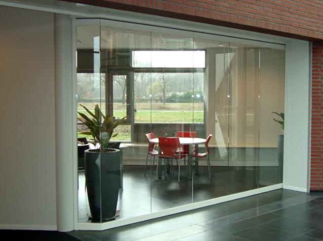 Glasplaat Voor Aan De Muur.Glazen Muur In Uw Huis Of Bedrijfspand Buys Glas